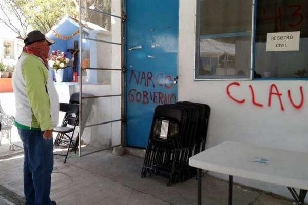 Cierra ceteg oficinas del ayuntamiento en chilpancingo for Oficinas del ayuntamiento