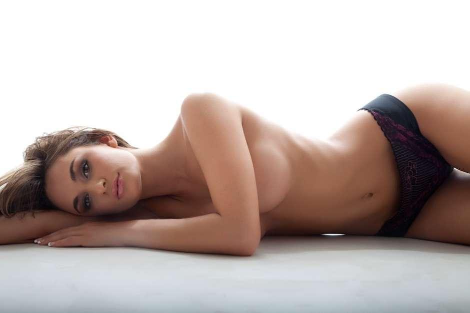 Rosie Roff Una Despampanante Británica Al Desnudo Fotos Diario
