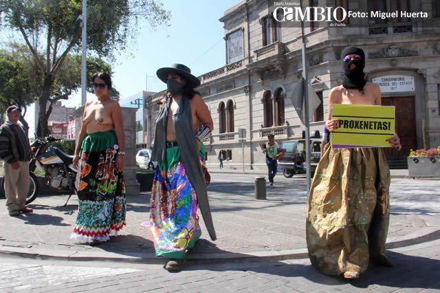 prostitutas semidesnudas en la calle prostitutas en montequinto