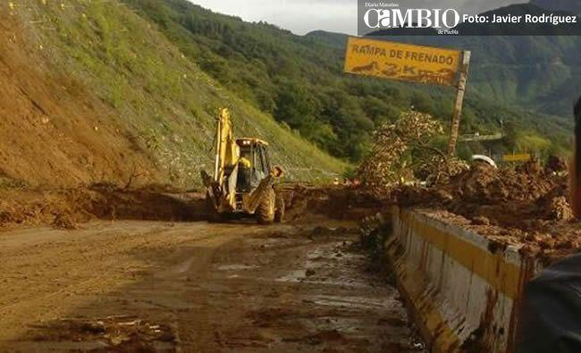 Orizaba: Se incendia un vehículo en la autopista Puebla