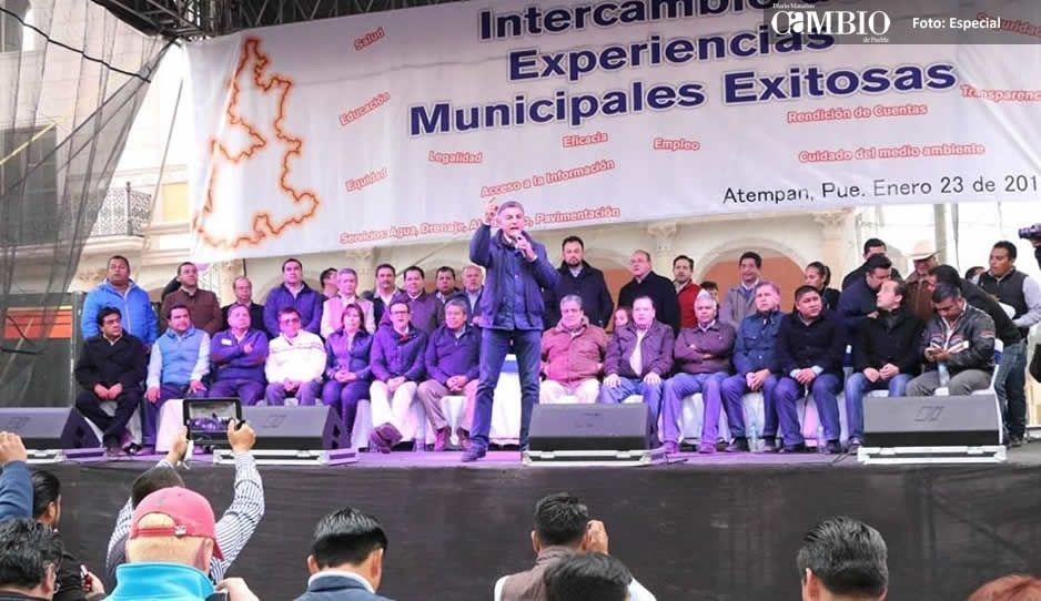 Gali se re ne con ediles y l deres de la sierra norte for Tarifas piscinas municipales zaragoza