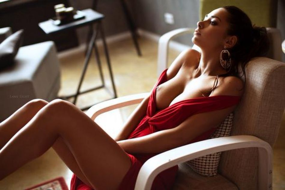 Helga Lovekaty La Provocativa Modelo Rusa Que Cautiva Con Sus