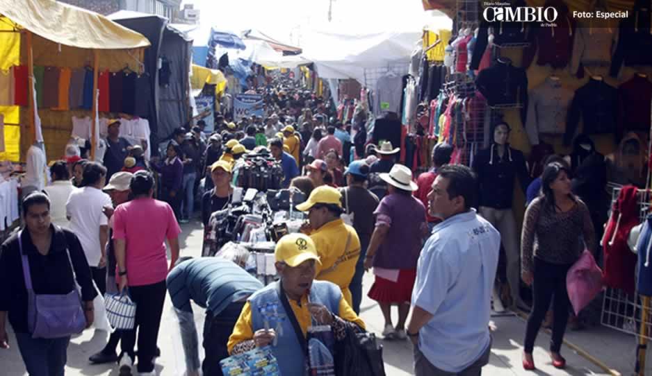 Golpean a tianguistas de Texmelucan para robarles 50 mil pesos en mercancía