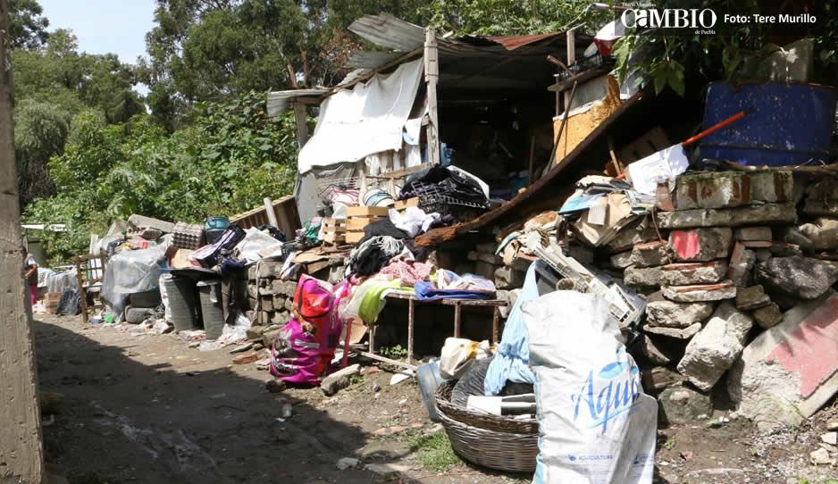 Atienden viviendas afectadas por desborde del Rio Atoyac