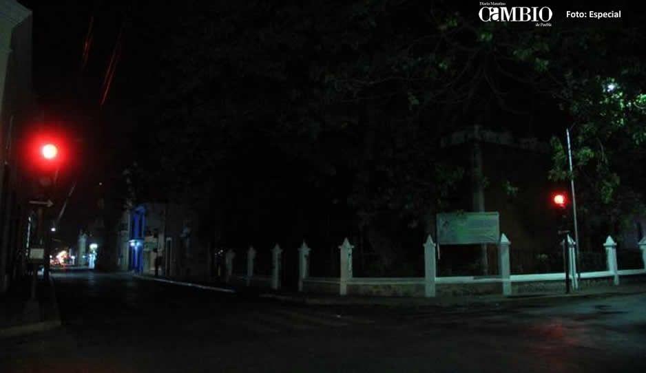 Apagones provocan toque de queda en Huauchinango