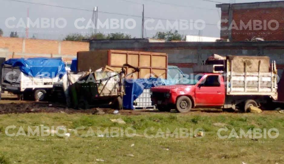 Aseguran camionetas a huachicoleros
