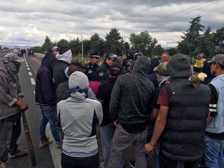 Pipa con gas LP choca y provoca una explosión en Puebla