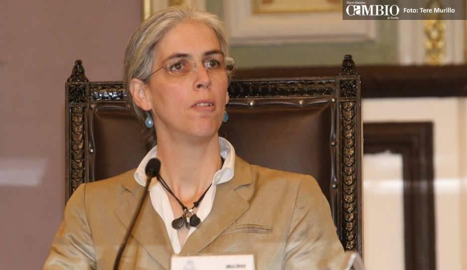 Consejera INE cuestiona informes de diputados a costa del erario