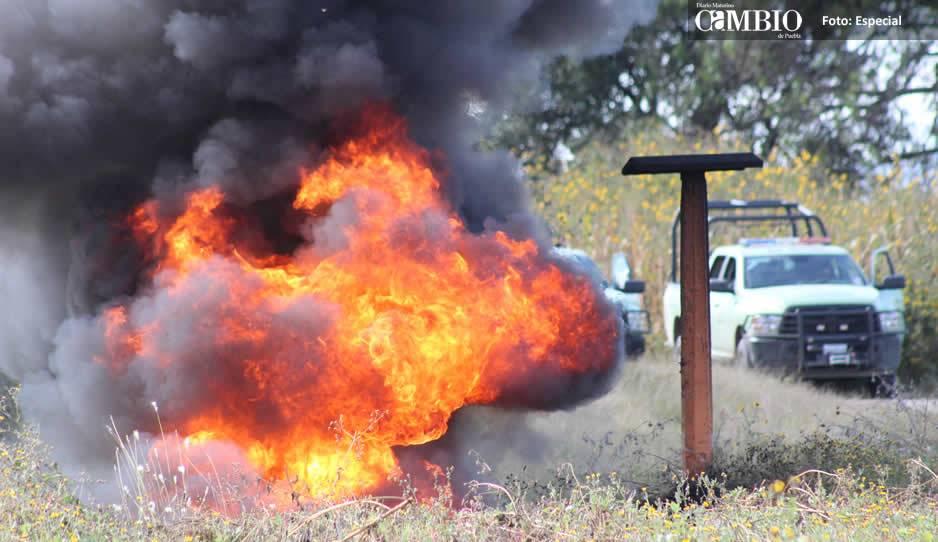 Arde toma clandestina en Chautla de Arenas, mientras en Tláloc roban combustible