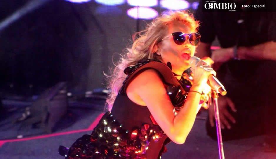 Paulina Rubio 'ignoró' a Pepillo Origel en un concierto