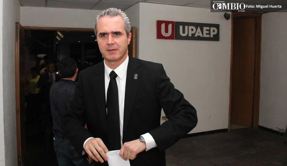 Rector de Universidad de Puebla condena muerte de estudiante
