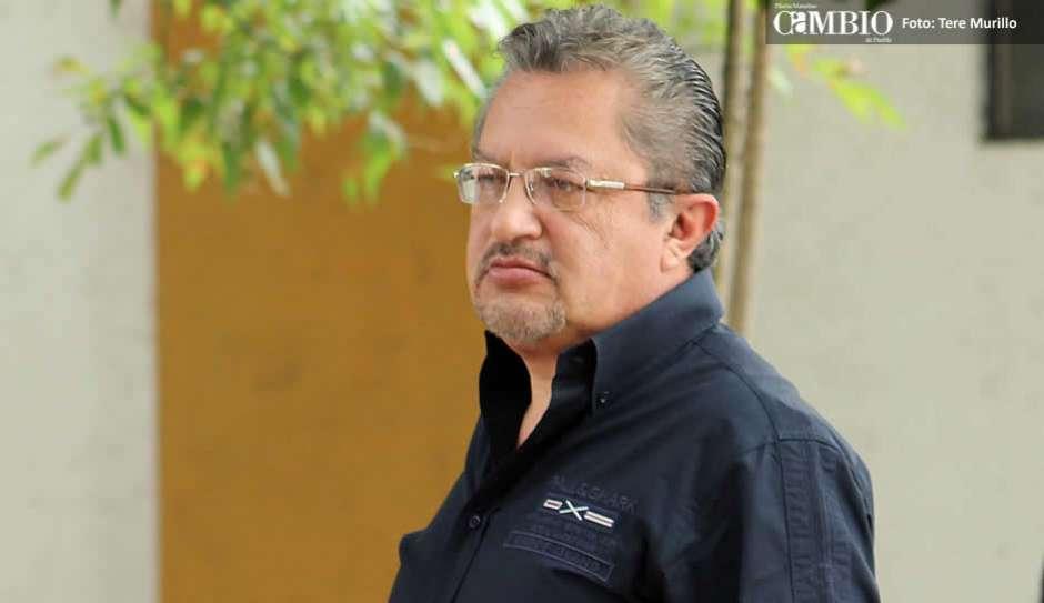 Acude Carlos López Chargoy a dejar la fianza