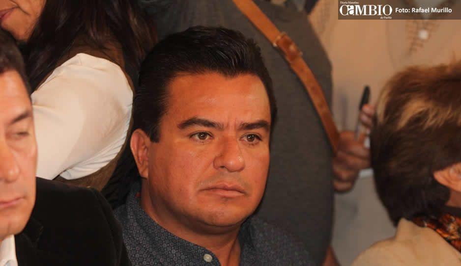 Balean al diputado Carlos Barragán Amador en Manzanillo