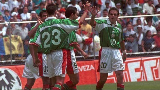 Ex internacionales de México y Alemania jugarán un amistoso en el Zócalo