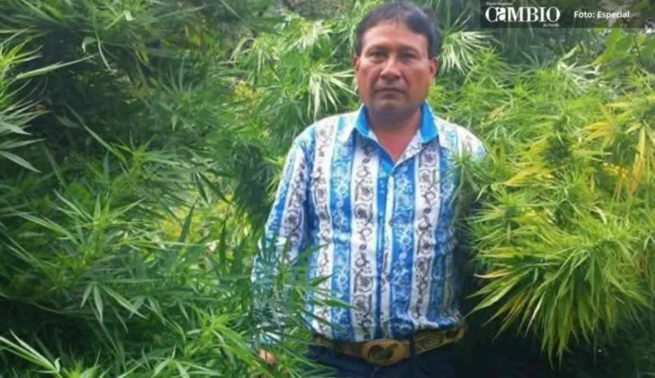 Regidor de Tochimilco emula a 'El Chapo'