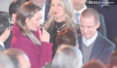 Anaya le da la bendición a Martha Erika para ser candidata