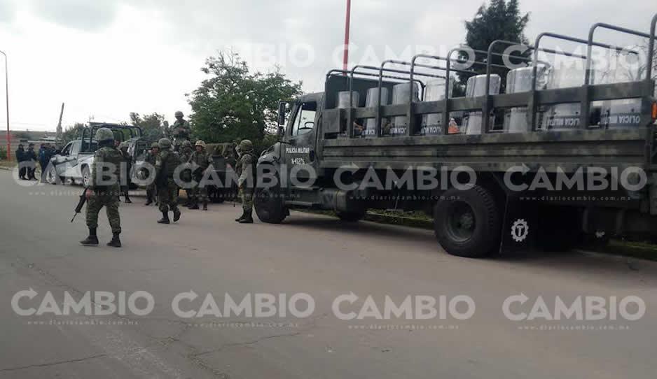 Hallan vehículos con huachicol en Puebla