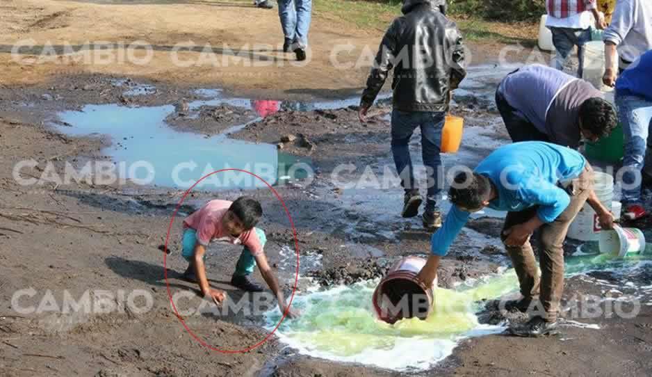 ¡Vaya descaro! Suspenden clases en Tláloc para que niños vayan a recoger huachicol