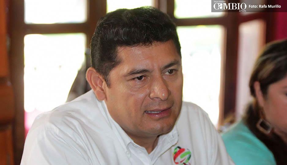 Diputado Armenta Mier deja filas priistas para sumarse a Morena