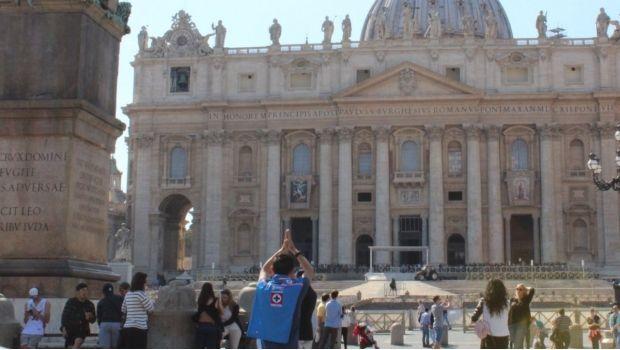 Hasta El Vaticano para pedir por Cruz Azul