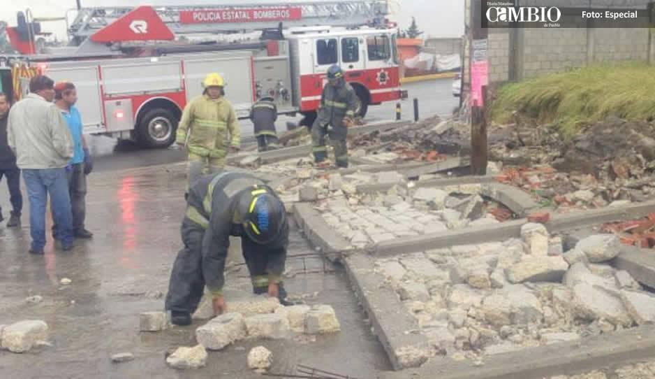 Cae barda en Lomas de San Miguel por lluvias; mata a mujer