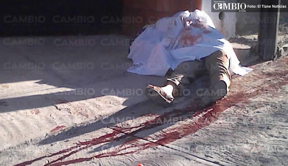 Asesinan fuera de su domicilio a regidor de Chietla