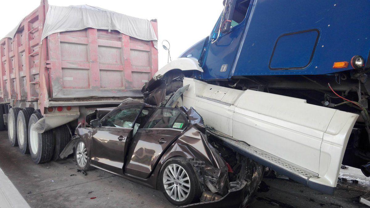 Matrimonio Accidente Trailer : ¡impactante accidente en la méxico puebla dos trailers