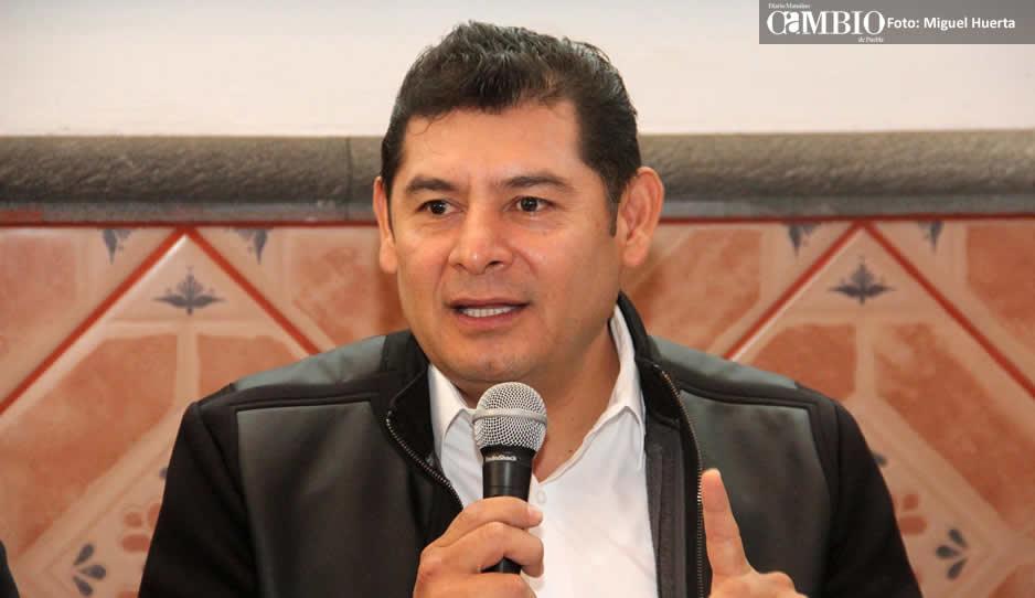Anuncia Armenta Mier renuncia al PRI para unirse a Morena