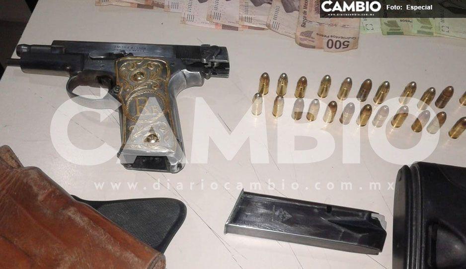 Detienen a comando armado con 14 mil pesos que habían sustraído de una gasolinera en Atlixco