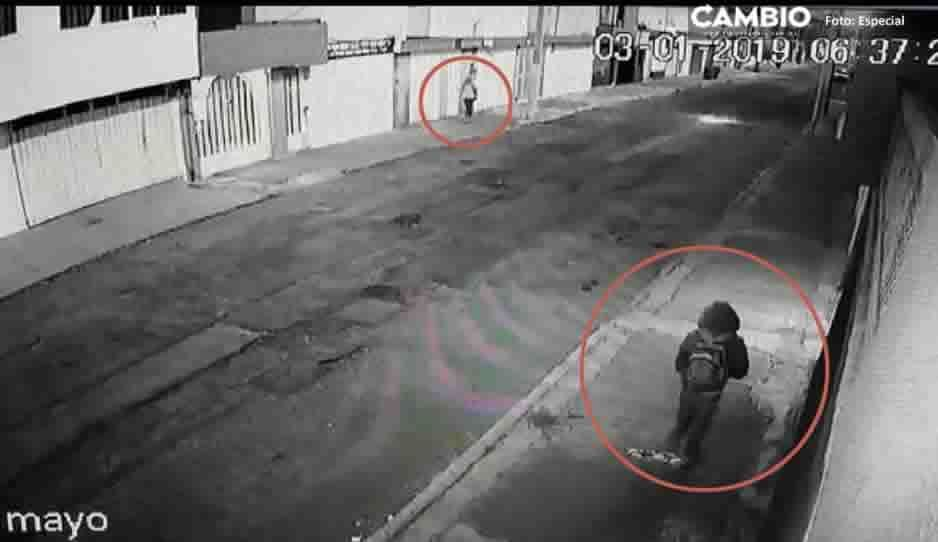 ¡Precaución! Mira como asaltan a una estudiante cerca de Ciudad Universitaria (VIDEO)
