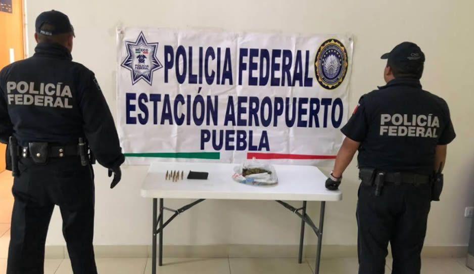 Policía Federal decomisa armamento y hierba verde en el aeropuerto de Puebla