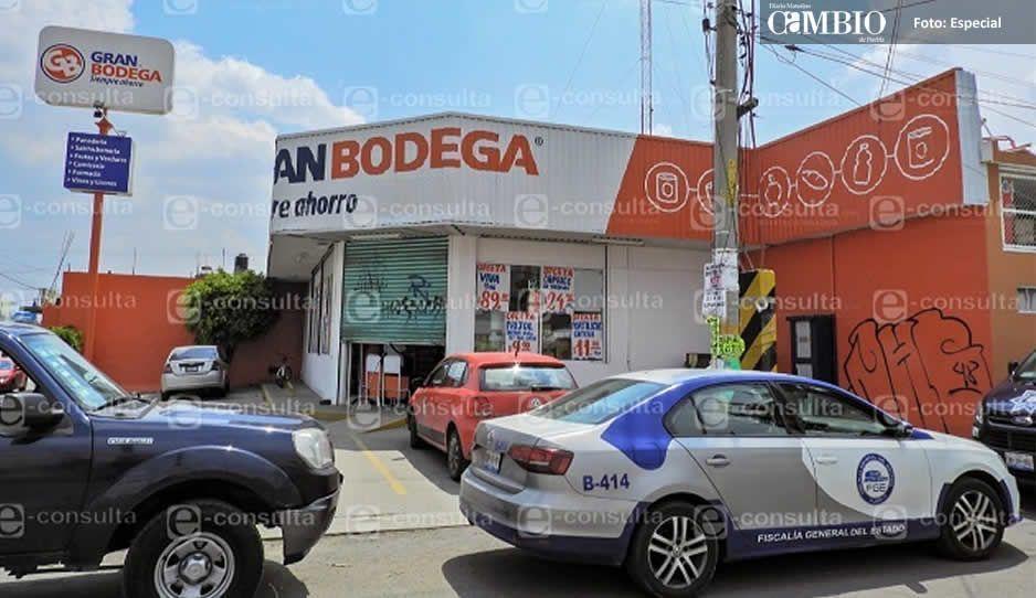 Con detonaciones, sujetos se dan a la fuga tras asaltar Gran Bodega en la Miguel Hidalgo