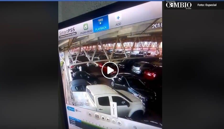 Así operan y se salen con la suya ladrones en estacionamiento de Plaza Crystal (VIDEO)