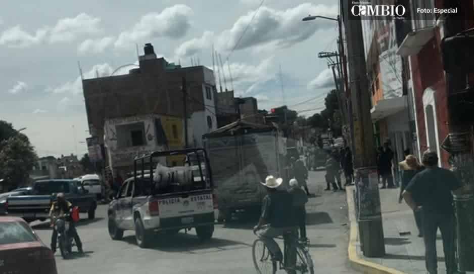 Detienen a dos unidades ligadas al robo de combustible en Texmelucan