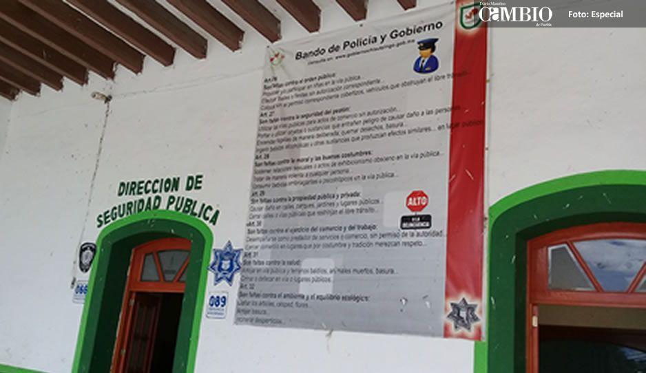 Autoridades salientes de Chiautzingo dejan cuatro patrullas en malas condiciones y armas obsoletas