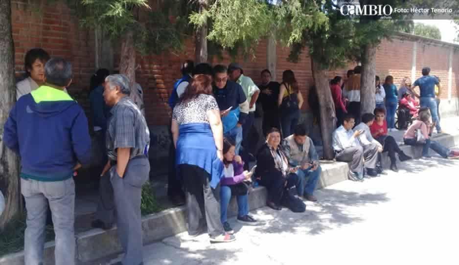 Morenistas se concentran afuera del Consejo distrital de Huejotzingo