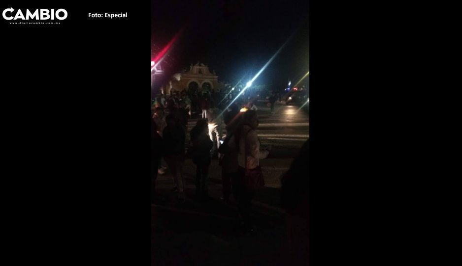 Pobladores de Tlaxcalancingo reabren la carretera federal, tras llegar a un acuerdo con la alcaldesa