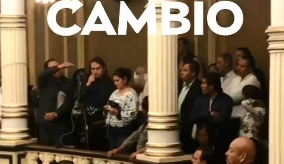 ¡Vaya circo! Héctor Alonso corre del Congreso a empleado de SDRSOT por gritar y silbar (VIDEO)