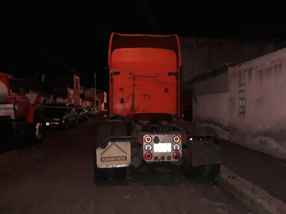 Detienen a 10 sujetos por robar tráiler en San Baltazar (VIDEO)