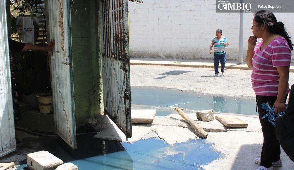 Se quejan vecinos  de San Lorenzo  por mal drenaje