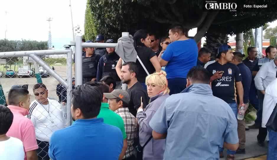 Tianguistas de Texmelucan reeligen a Teodoro Díaz como líder de la agrupación 16 de septiembre