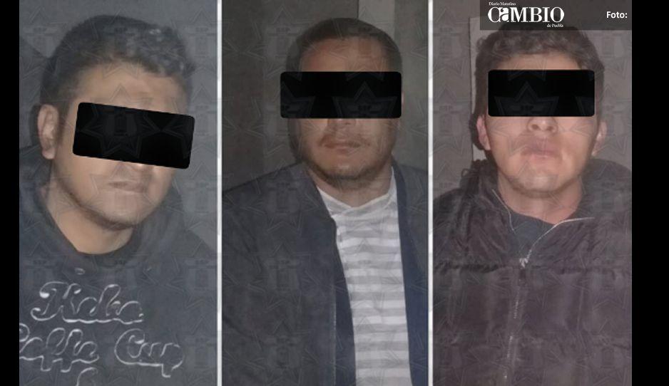 Detienen a tres sujetos que intentaban robar cajero automático en Tecali