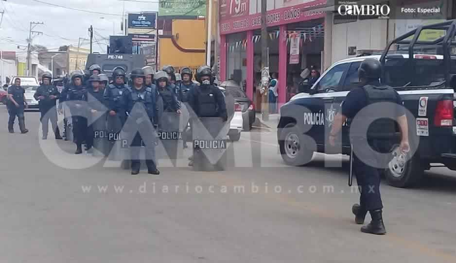 Huachicoleros de El Verde imponen su ley y evitan que ministeriales se lleven los cuerpos de sus familiares