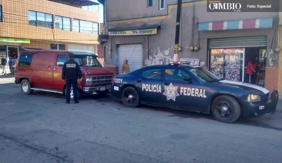 Policía federal asegura unidad con huachicol en Texmelucan