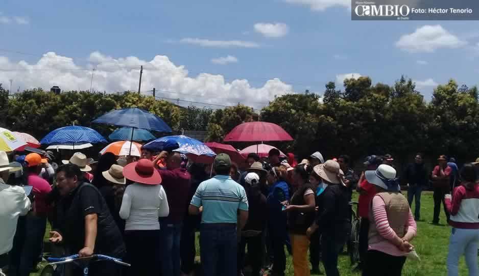 Beisbolistas se oponen a construcción de nueva presidencia en Xalmimilulco y golpean a trabajador