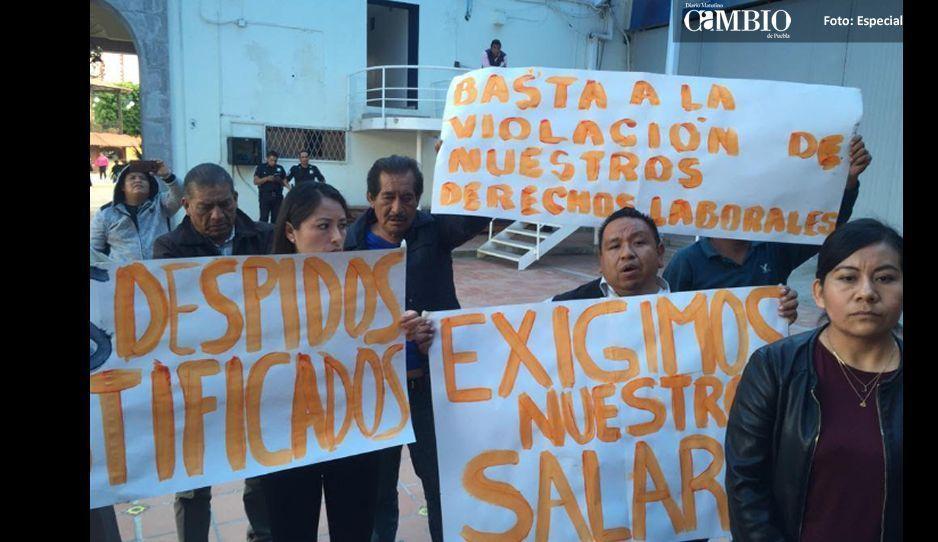 Integrantes del sindicato 'charro' de San Andrés Cholula, se manifiestan por falta de pagos
