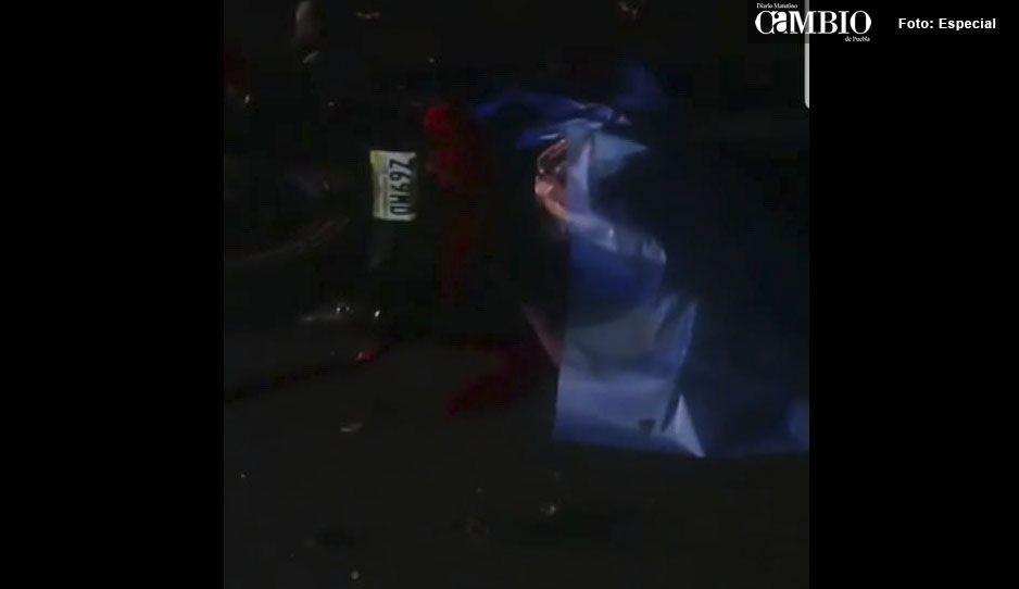Mueren dos hombres en accidente de moto