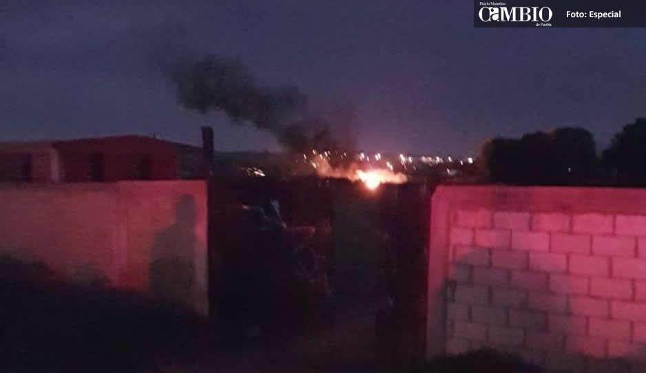 Arde ducto de Pemex en Huejotzingo por toma clandestina