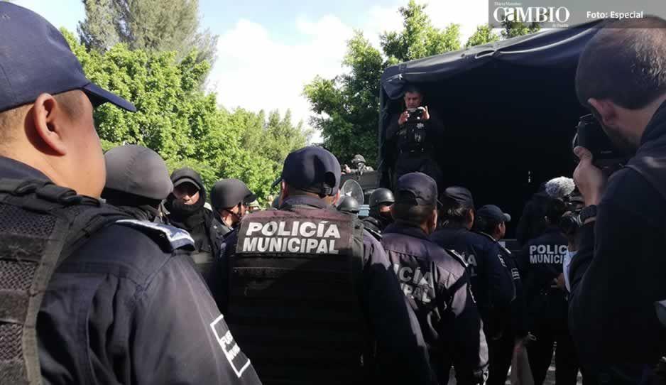 Los 21 polis detenidos en Tehuacán fueron trasladados al penal de Tepexi