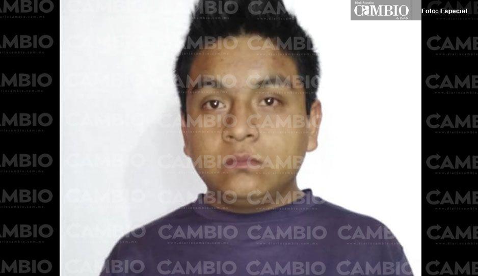 Municipal detienen a sujeto cuando intentaba robar una camioneta en Atempan